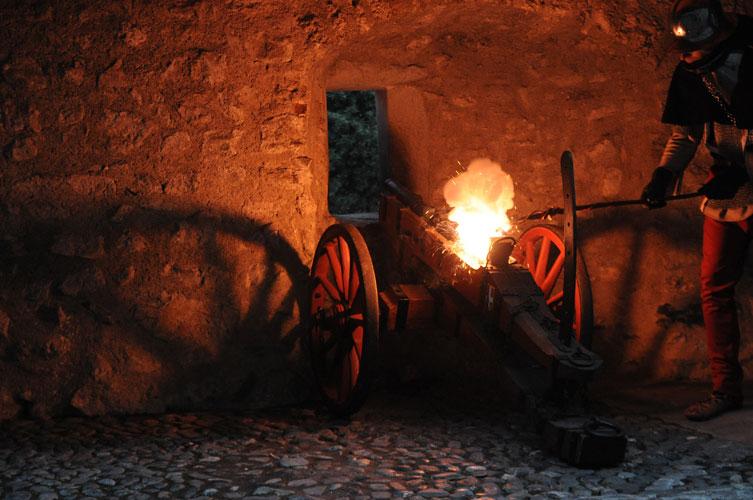 Compagnie des Quatre Lunes – Artillerie, couleuvrines